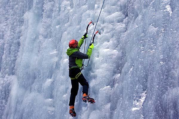 78ab662f5e Escalada en hielo - Curso en Noruega | Nanuk Experience