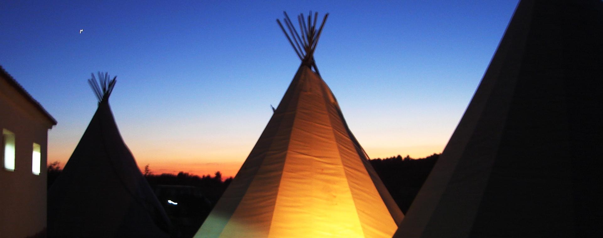 Campamento de aventura en verano